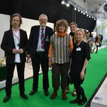 Satisfied curator and exhibitors, from left: Mattias Westelius curator, Gösta Hedborg, Karin Hurtig of Ateljé Bergaknuten, Representatives from the Municipality of Tibro Ingela Backman in charge of business issues and Jenny Eriksson, secretary of Culture in Tibro. Quite an admirable undertaking