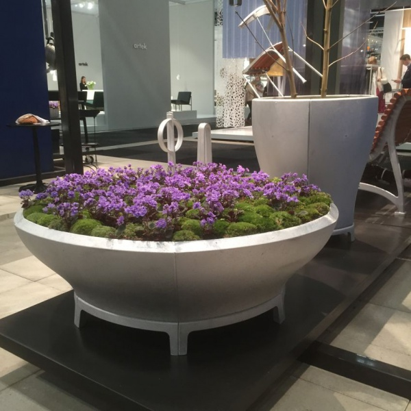 Synnöve Mork did the beautiful Byarum stand, welcoing spring