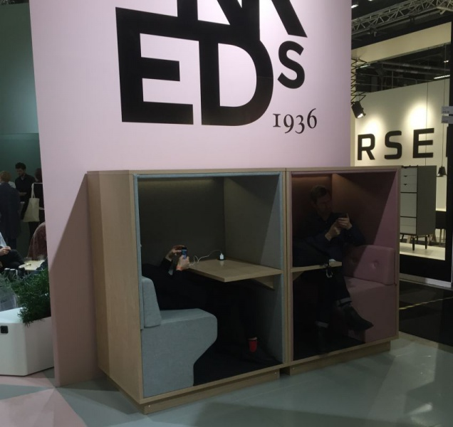 Fredrik Mattsson has created small in-house houses for privacy for Horreds, photo frames!