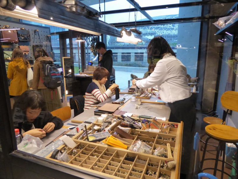Workshops in the bookstore mall
